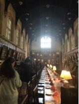 此图为牛津学子举办 Formal Hall 的地方 也 是《哈利波特》里面霍 格沃兹的 Great Hall 的 拍摄地点